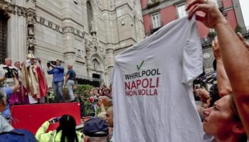 Whirlpool Napoli cardinale Sepe