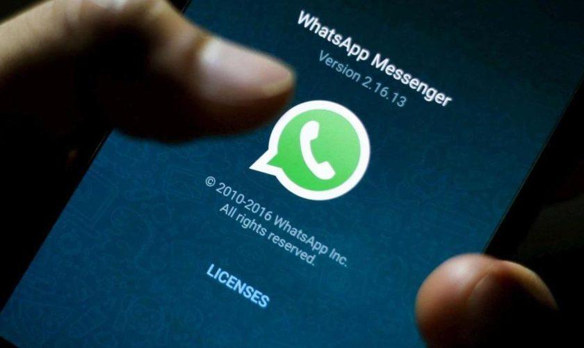 Scuole chiuse e compiti via Whatsapp