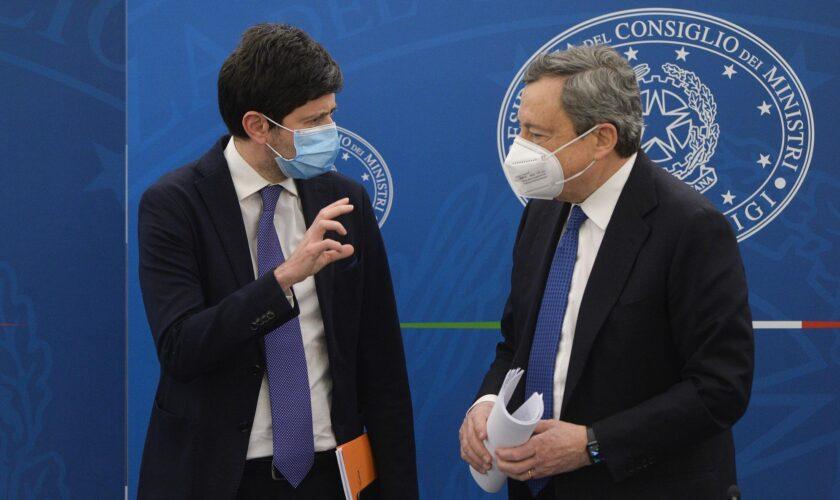 Draghi e Speranza indicano date di riapertura: Via libera per palestre e piscine