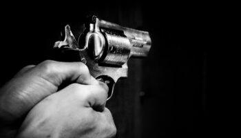 carabiniere spara moglie