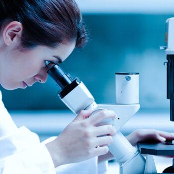 """Istituto """"Pascale"""" di Napoli, svolta nella lotta contro il cancro grazie a due ricercatrici"""
